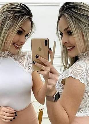 Cropped detalhe manguinha renda moda feminina