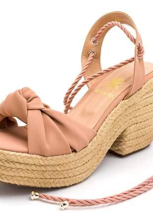 Sandália salto grosso em napa nude com corda amarrar na perna
