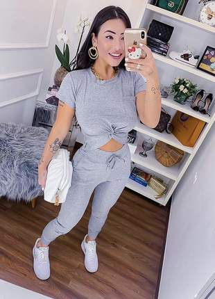 Conjunto confy cinza calça skinny cropped com bolsinho