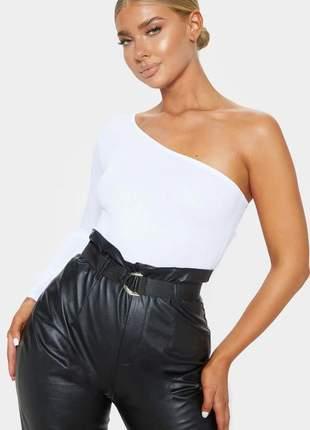 Body feminino um ombro só manga longa