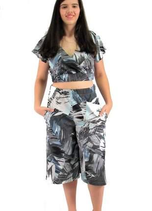 Conjunto blusa cropped e calça pantacourt vcut