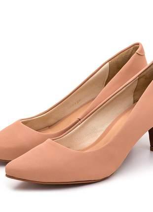 Sapato scarpin feminino salto baixo fino em napa nude