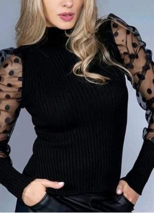Blusa de lã com manga transparente