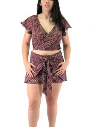 Conjunto blusa cropped e shorts com laço vcut