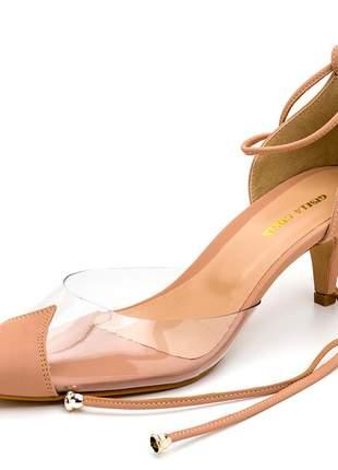 Sapato scarpin salto baixo transparente amarrar na perna nude