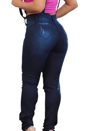Calça jeans salopete feminina jardineira suspensório e bolso