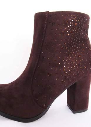 Bota feminina cano curto salto alto marrom camurça florentina