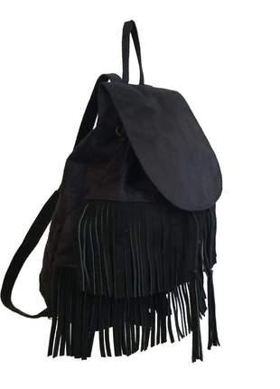 Bolsa mochila feminina com franjas com alças reguláveis