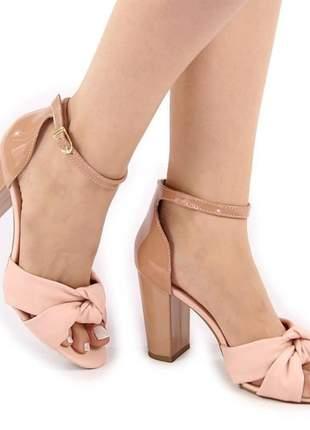 Sandália salto quadrado rosé