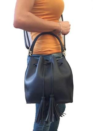 Bolsa feminina saco transversal em couro sintético com 2 alças