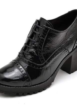 Bota feminina ankle boot couro comfort verniz preta
