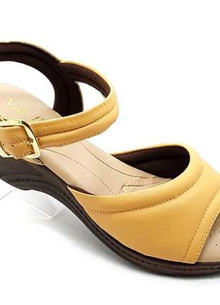 Sandália feminina confort ortopédica caramelo