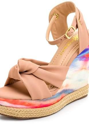 Sandália anabela em nó nude salto em tie dye colorido fivela