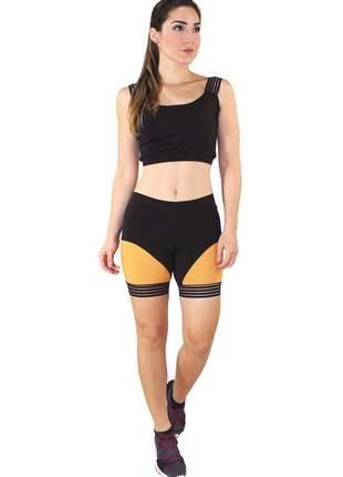 Conjunto fitness cropped preto faixa elástico + short fitness preto com faixa amarelo luxo