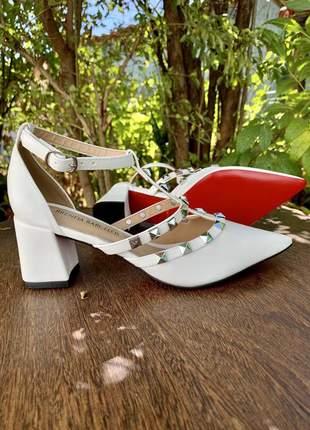 Sapato scarpin valentino branco fosco verniz salto baixo bloco festa courino noiva