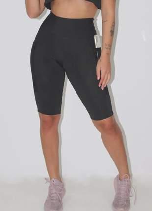 Bermuda feminina fitness com bolso tela luxo