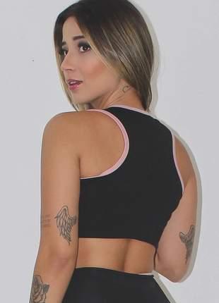 Cropped top feminino fitness preto com detalhe rosê luxo