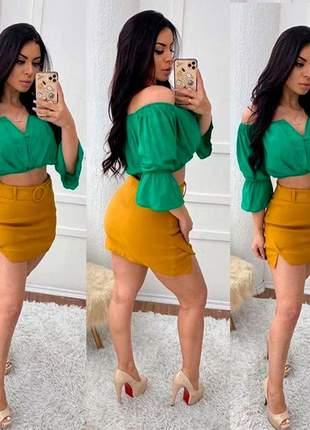 Shorts saia cinto detalhes