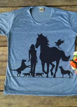 T-shirt menina e animais