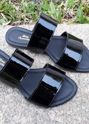 Sandália rasteira feminina preta slide duas tiras