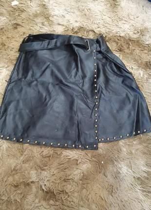Short saia em couro promoção