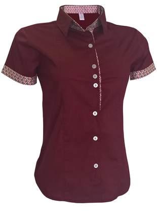 Blusa social feminina manga curta vermelho escuro