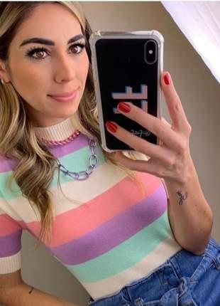 Blusa em tricot listrada