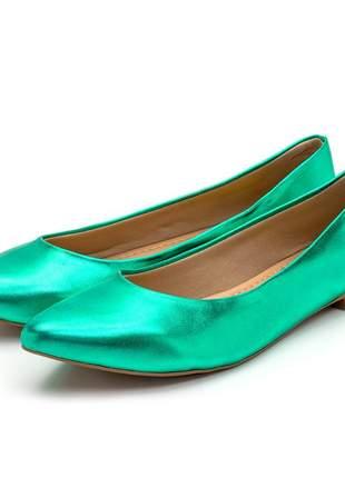 Sapatilha feminina bico fino em verde metalizado