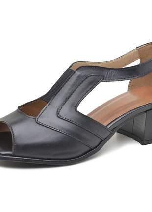 Sandália pierrô bico quadrado salto baixo couro legítimo cor preta