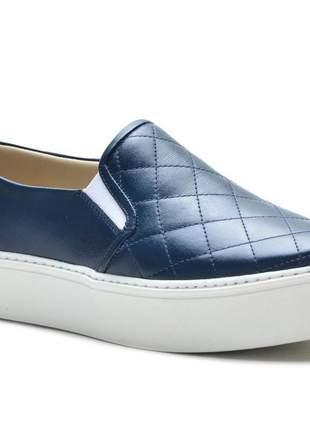 Tênis slip on feminino em couro legítimo ana flex azul marinho matelasse