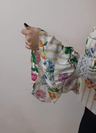 Blusa ombro a ombro manga flare