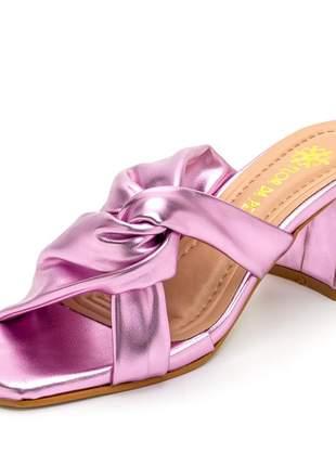 Sandália tamanco nó bico quadrado lilas metalizado salto grosso