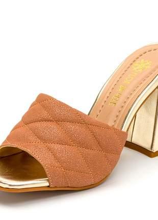 Sandália tamanco nude cintilante salto grosso em dourado metalizado