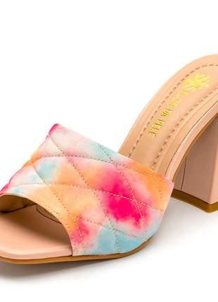 Sandália tamanco bico quadrado salto grosso nude e tie dye