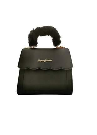 Bolsa de mão com detalhe em pelúcia179