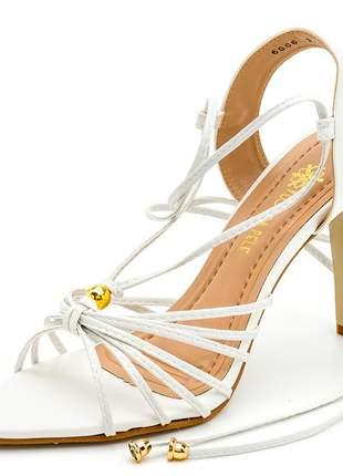 Sandália social bico fino folha  branca salto alto fino amarrar na perna