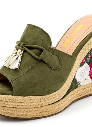 Sandália anabela tamanco verde salto plataforma floral corda