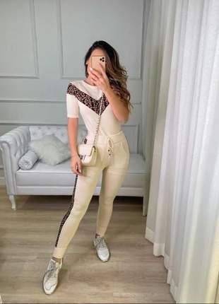 Conjunto oncinha luxo blusa e calça