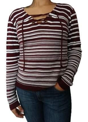 Blusa feminina tricot trico listrada decote com ilhós