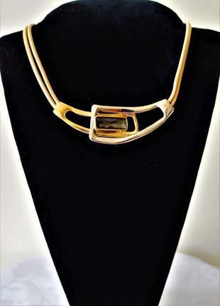 Colar couro duplo dourado e prateado pedra preta
