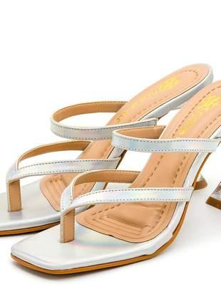 Sandália bico quadrado aberta holográfico salto fino taça transparente