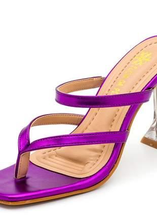 Sandália bico quadrado aberta roxo metalizado salto fino taça transparente