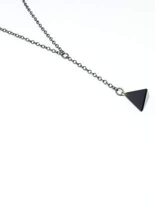 Colar em y com pingente triângulo de ágata negra
