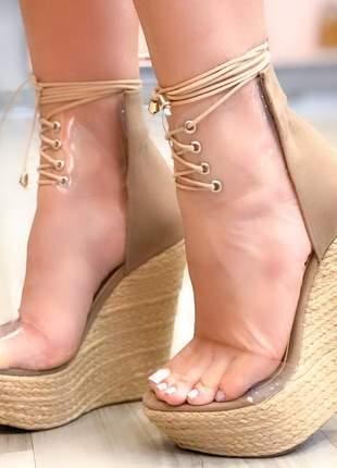 Sandália anabela vinil cadarço nude