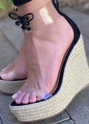 Sandália anabela vinil cadarço preta