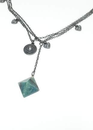 Mix de colares delicados com pingente pirâmide pedra natural aventurina