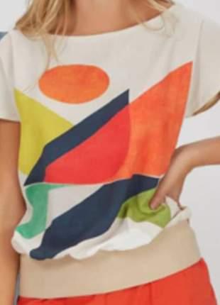 Blusa em crepe de seda. tamanho g
