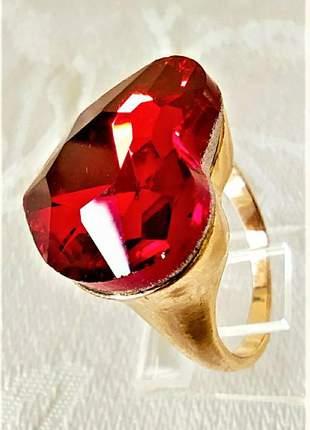 Anel coração dourado pedra vermelha