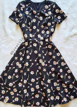 Vestido gode midi florido alfaiataria