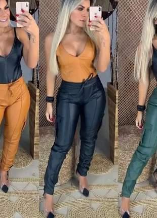 Calça feminina courino couro fake cordão jogger bolsos